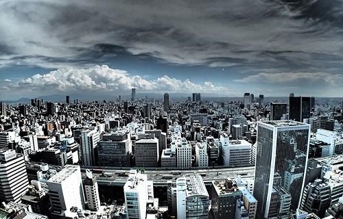 疎外感を抱く都会の町並み