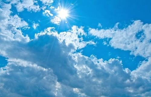 時期尚早夏の空